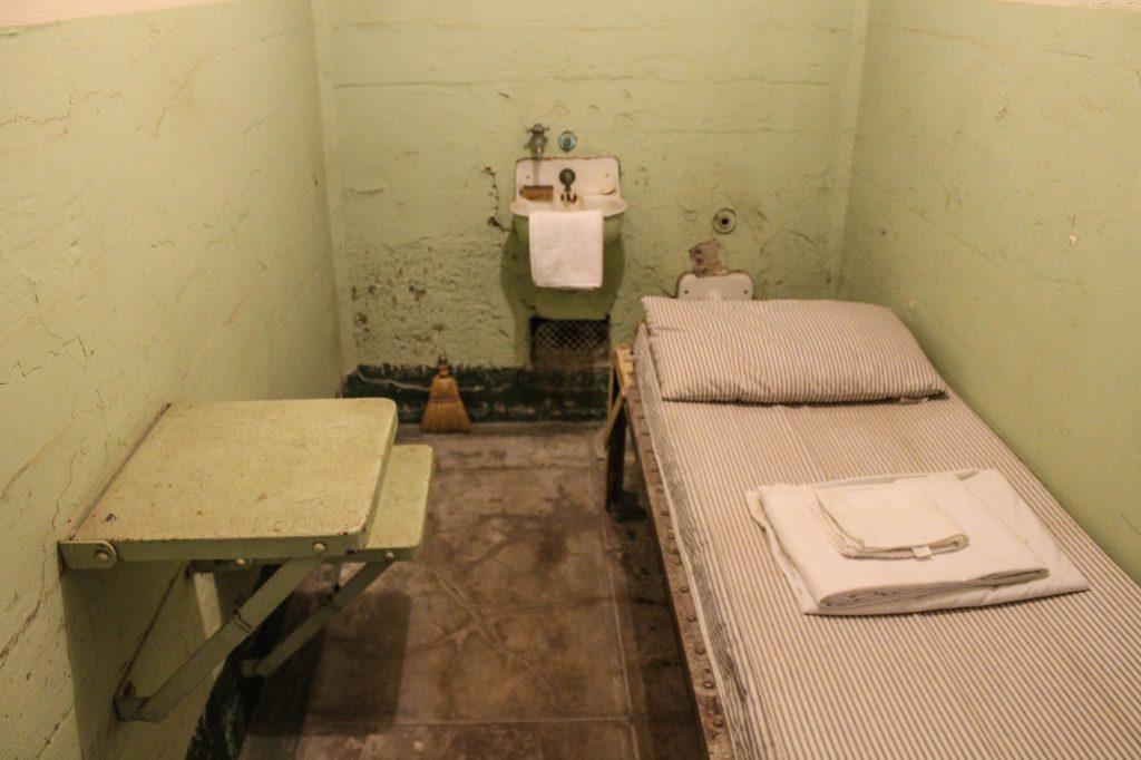 Alcatraz-24