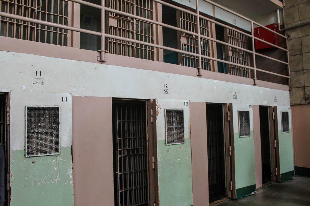 Alcatraz-40