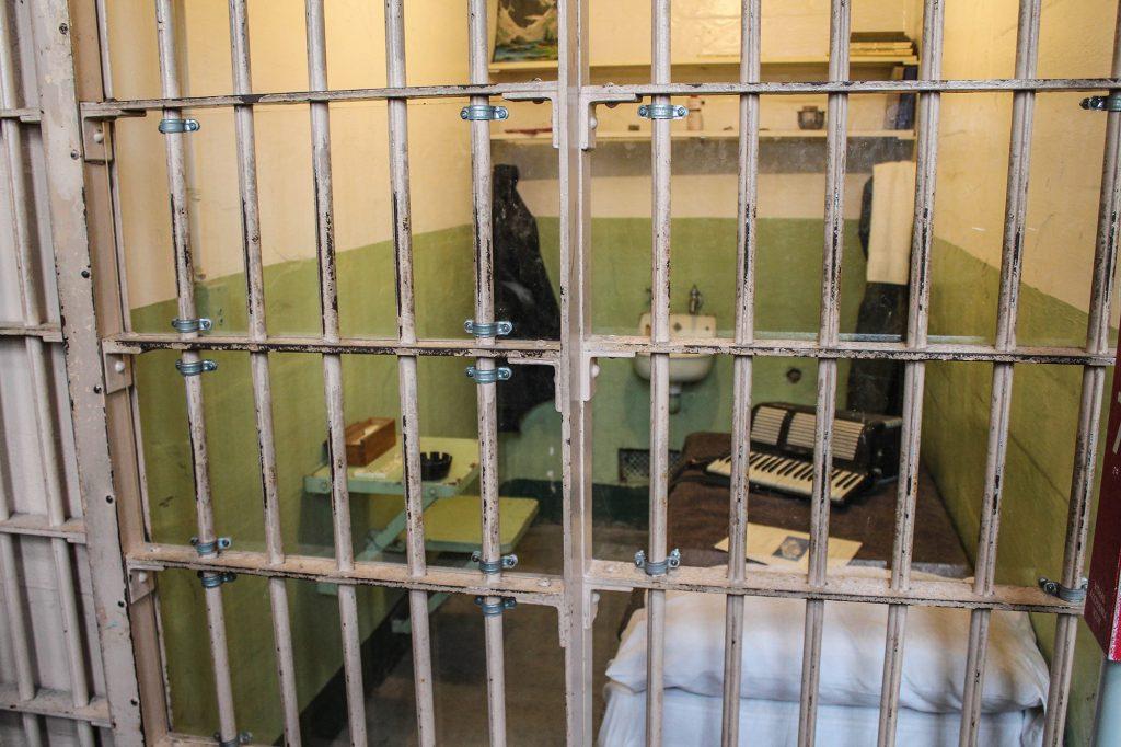 Alcatraz-42