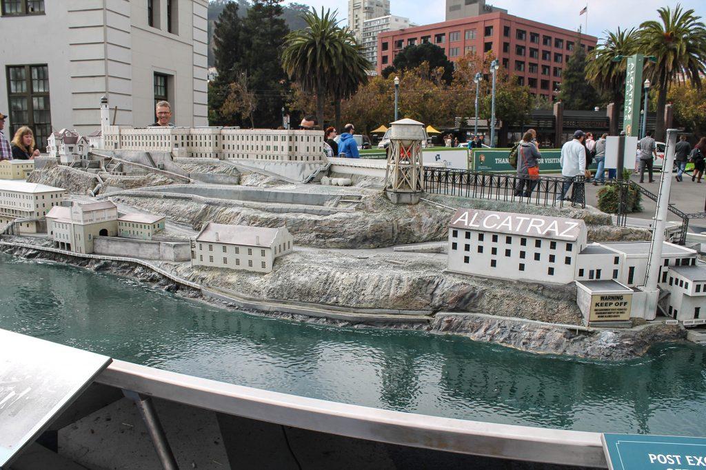 Alcatraz-58