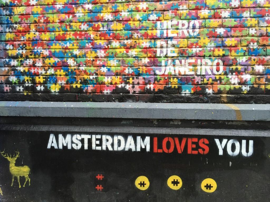 graffitis-spuistraat-amsterdam-90ba3bcb7f2d38fba595ff84ee5997f8